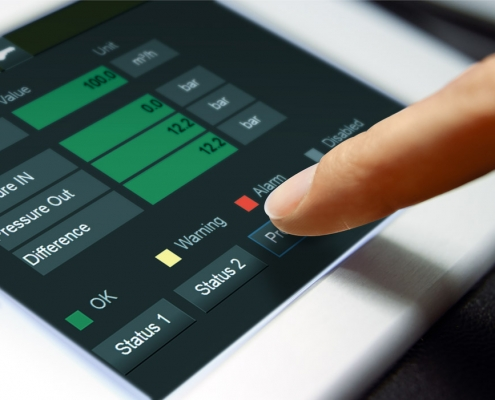 On-site overview of the data thanks to touch panel operation on the control cabinet solution